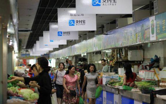clientes em mercado chinês