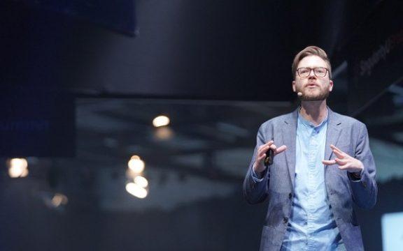 """""""Futuro é muito importante para ficar nas mãos das empresas de TI"""""""