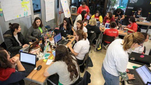 Center Norte faz hackathon com apoio do OasisLab