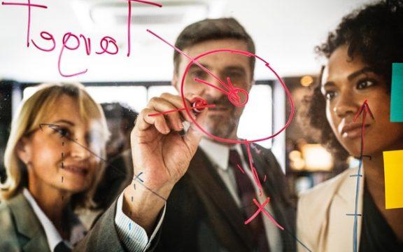 Como escolher o líder para a transformação pós-digital da empresa