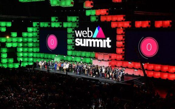 Startups brasileiras buscam investidores e novos clientes no Web Summit em Lisboa