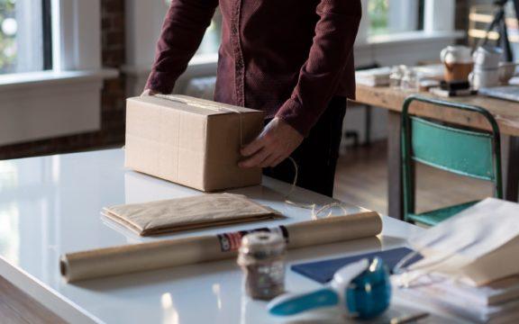 Startups fazem parceria para transformar lojas em mini Centros de Distribuição